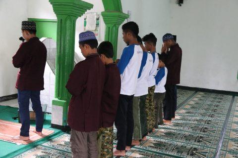 Santri Orangtua asuh Penghafal Quran Ibnu Sabil Sukabumi 4