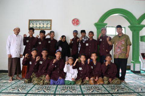 Santri Orangtua asuh Penghafal Quran Ibnu Sabil Sukabumi