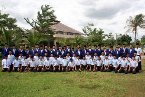 Santri Penghafal Quran AQL Islamic School Jonggol